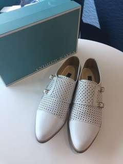 Andrew Kayla shoes 白色皮鞋