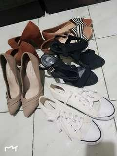 5 pairs for 1200 size 38