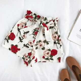 BNWT Floral Highwaist Shorts, Size M