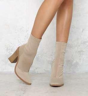 Lipstik Matra sock boots