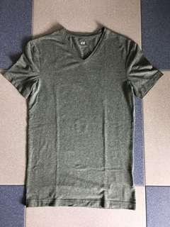 H&M Green V-Neck T-Shirt