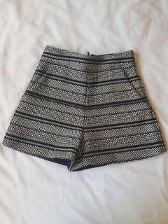 Kookai shorts 34