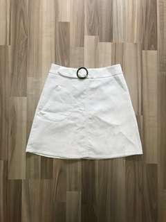 Buckled Side Pocket Skirt In White, Size S