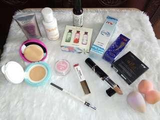 Innisfree body cleanser/Silky Girl/BB cream Caring/lipstik Novo/Emina blush on/Legend pensil alis/Face mist/serum wajah/sabun wajah/beauty blender
