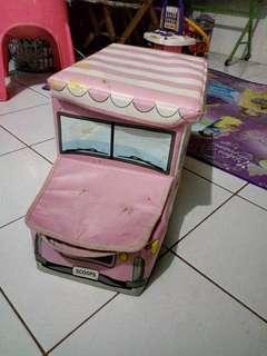 Storage box bentuk mobil