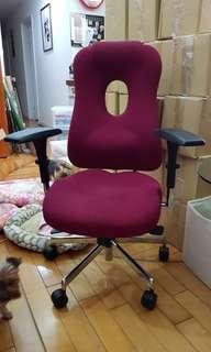 人體工學椅,Tungyu 油壓。原價近四萬。出清9999元