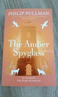 New : the Amber spyglass by philip pullman