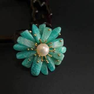 Genuine Natural Stone Brooch With Embellished Pearl