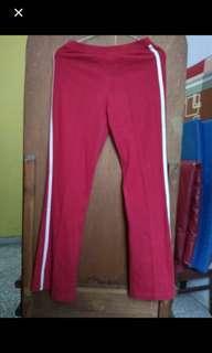 Celana Merah List Putih