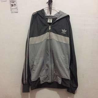Jaket Adidas Abu