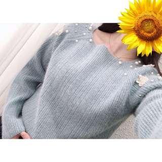 🚚 「正韓」ㄧ字領肩刺繡蕾絲珠珠兔🐰毛針織柔軟棉正韓上衣(藍 米白 綠)