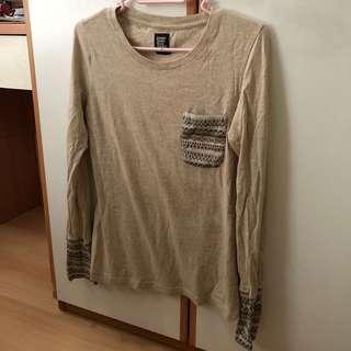 (包郵) Design T-shirts Store gramophone 卡其色長袖民族風T-shirt