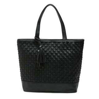 Castria Soho Shoulder Bag