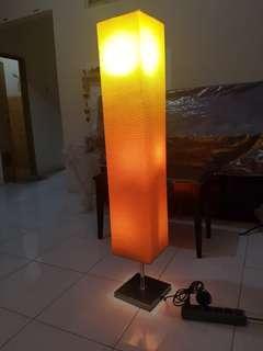 Lampu minimalis modern standing berdiri tidur tv