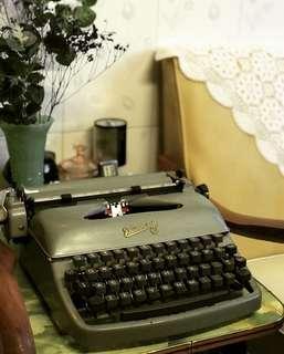 Vintage 50s Rheinmetall typewriter Germany