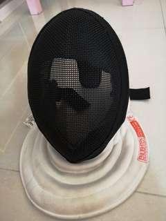 花劍面罩 foil fencing (wire-mesh mask)