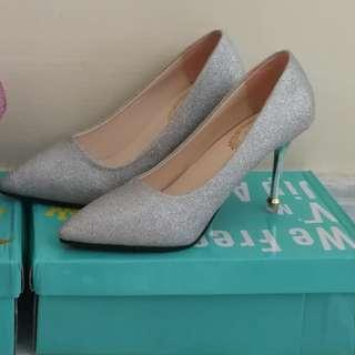 🚚 [BNIP] Fitted Once, Not Worn Silver Glitter High Heels