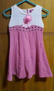 4 to 7 y.o dresses. 200 each.