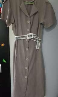 Brand new 90s retro button down dress with free belt!!