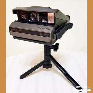 Vintage POLAROID Instant Camera, comes complete with Tripod, Remitter and Receiver, Leather Carrier Case with Long Strap. Beautiful & Working Condition. $68 Clearance Offer, whatsapp 96337309.