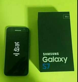 Samsung galaxy s7 phone 32 G
