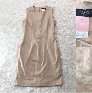 VL6857 Artemis collection beige textured dress