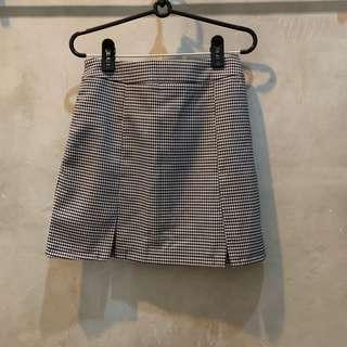 pending editors market checkered skirt