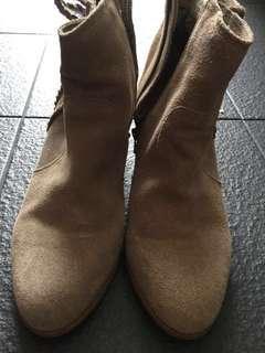 Espirit Boots