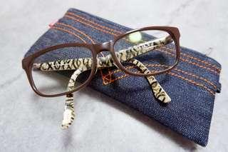 Ladies Levis Spectacle Frame up for grab