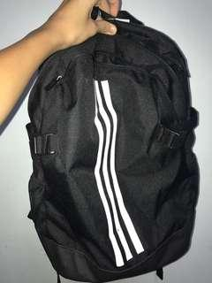 ADIDAS BACKPACK IN OPTIMAL CONDITION