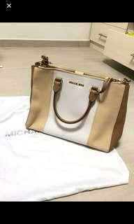 Michael Kors bag (100%authentic 90%new)