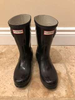 Short hunter boots size 6