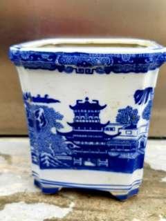 古董青花瓷舊花瓶