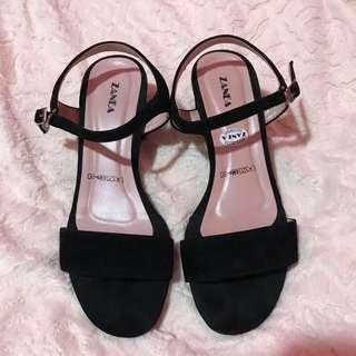 Zanea block heels GOOD AS NEW