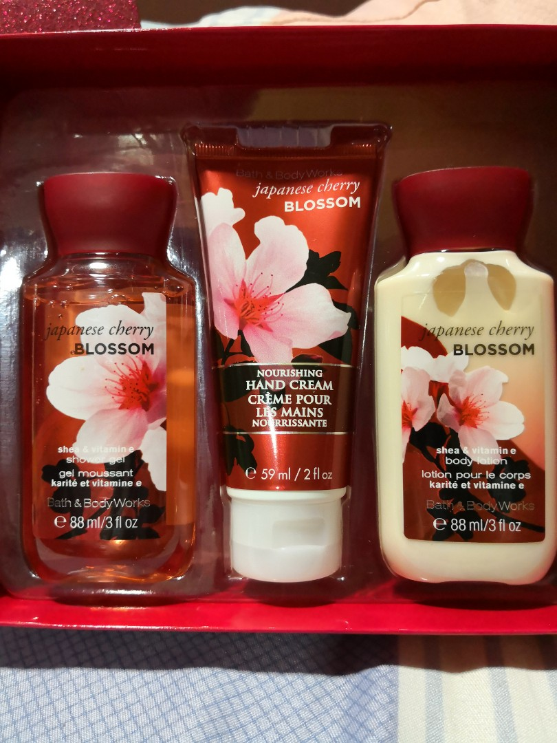 ? BNIB Bath u0026 Body Works 3-in-1 Gift Set Health u0026 Beauty Bath u0026 Body on Carousell & ? BNIB Bath u0026 Body Works 3-in-1 Gift Set Health u0026 Beauty Bath ...