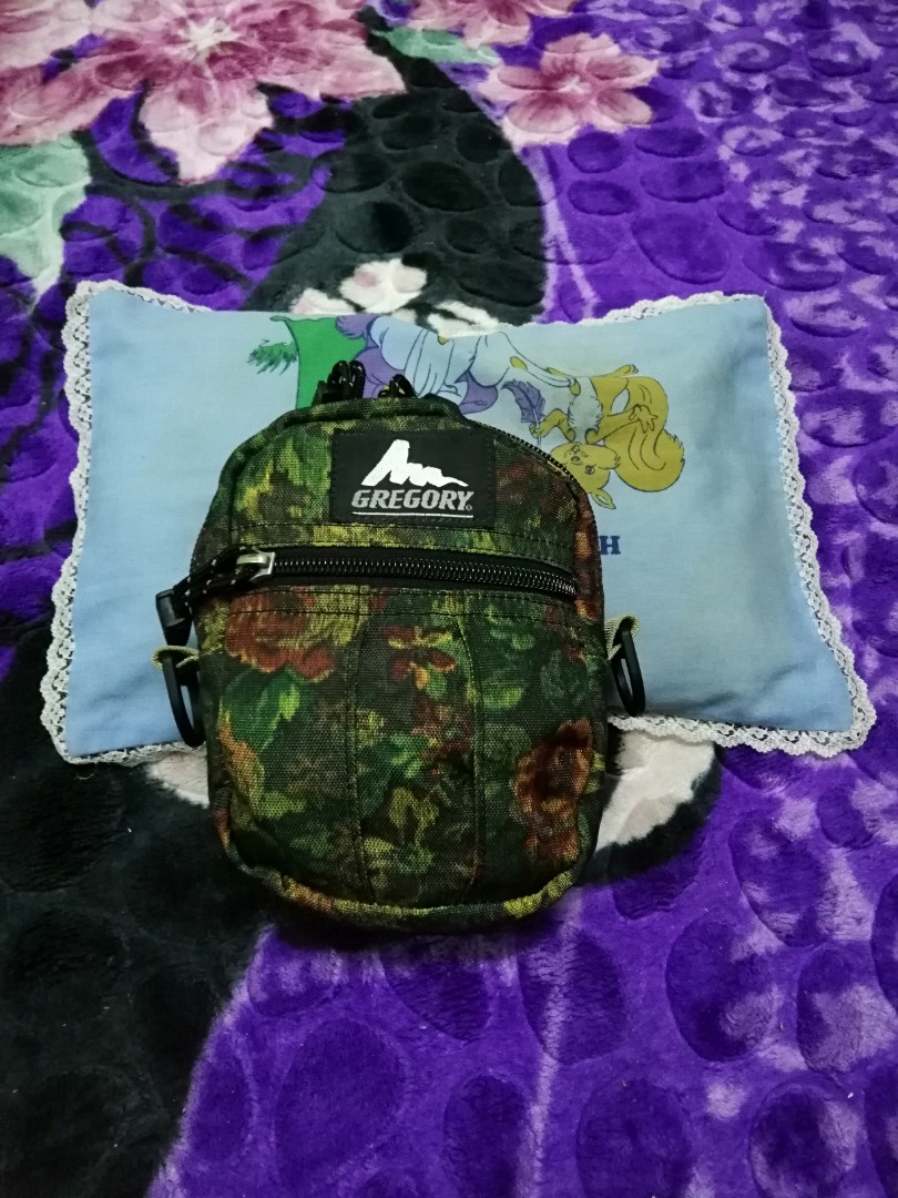 b4d0bc58afe Gregory Qp King Floral, Men's Fashion, Bags & Wallets, Sling Bags on  Carousell