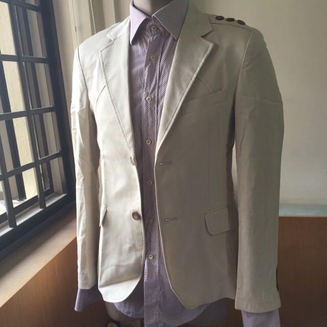 b4f25db2e8d6 Gucci Men Blazer 2-Button Cream   Sz 52 Extra Slim Fit