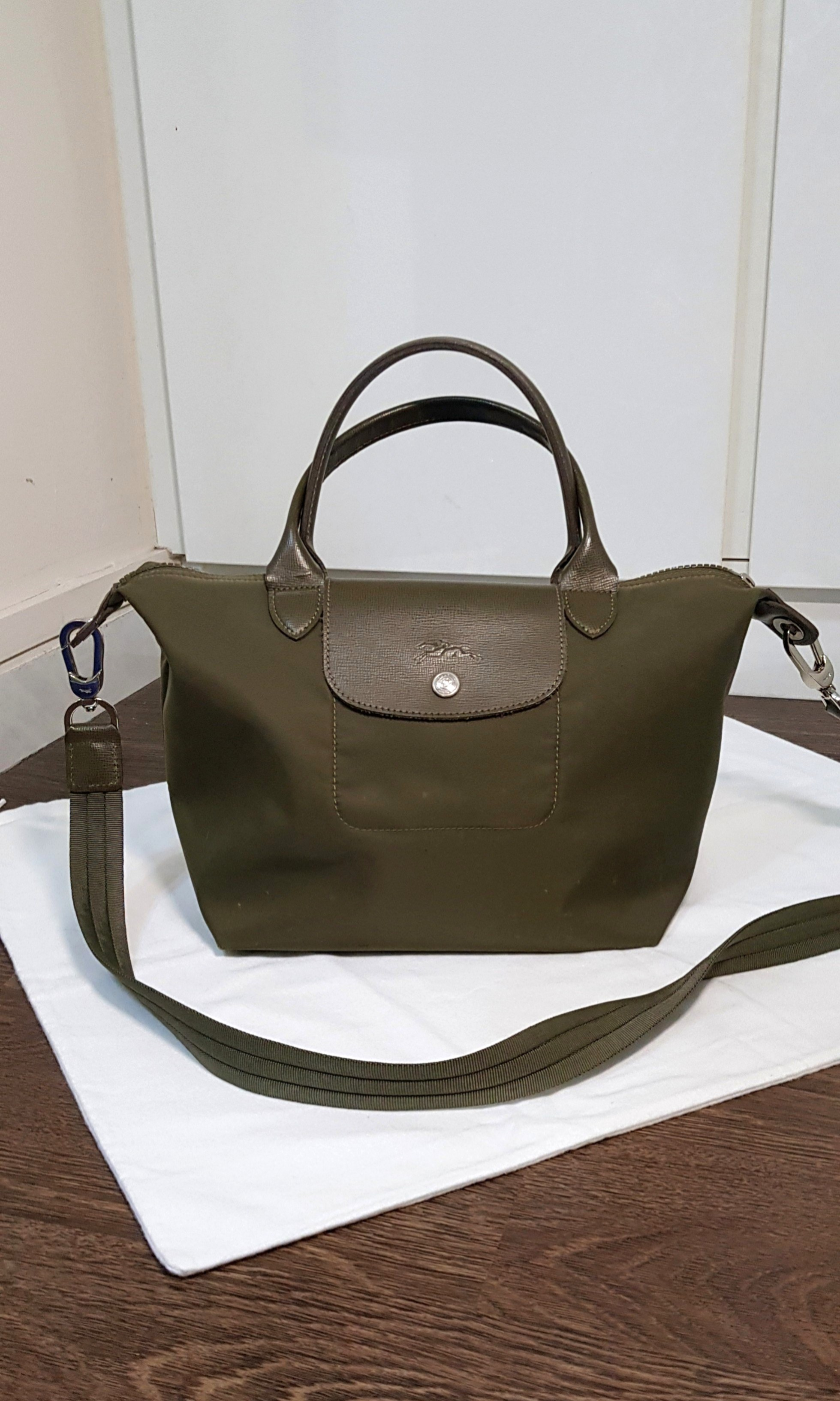 3c126dca80 Longchamp Neo small, Luxury, Bags & Wallets, Handbags on Carousell
