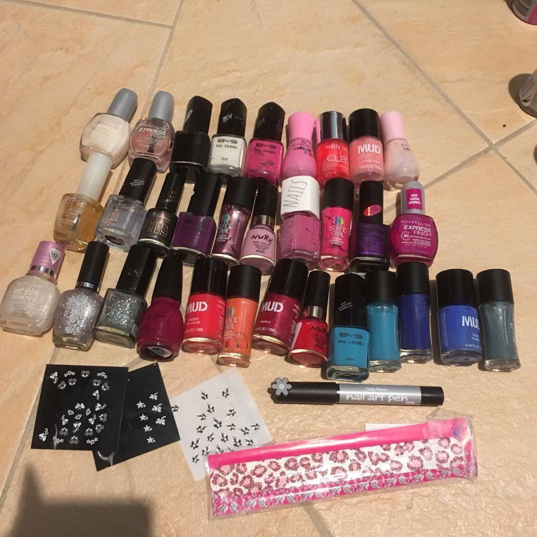 Nail polish and stickers (MUD, BYS, sinful colours and more)