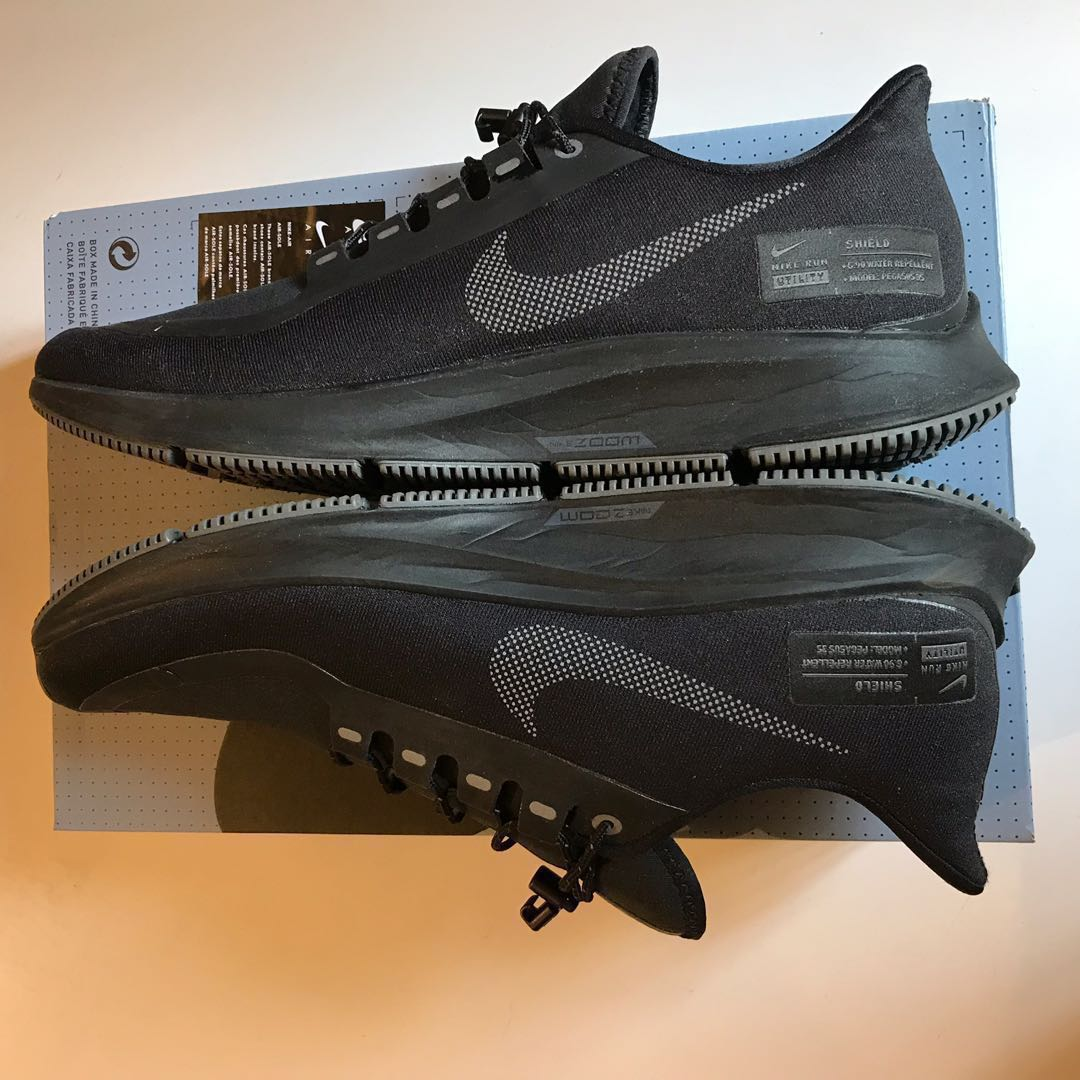 official photos 4baae 5f4cd Nike Air Zoom Pegasus 35 Shield all black