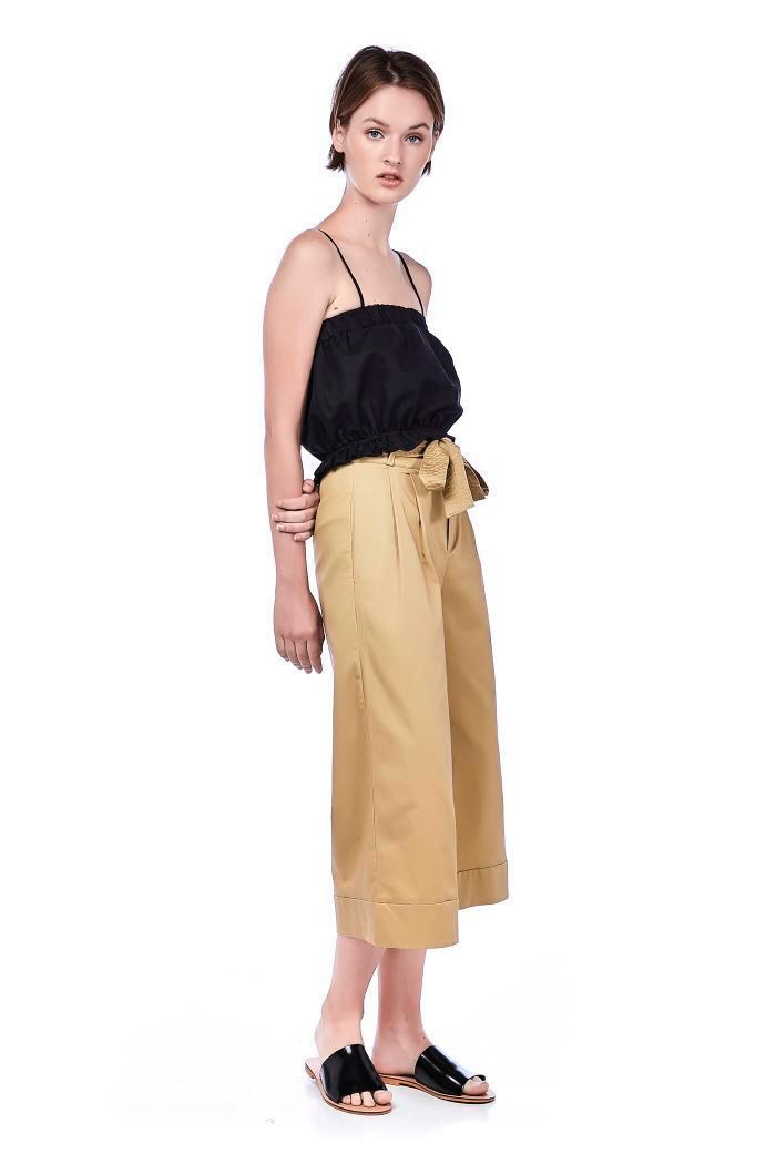 726a9550e4 The Editors Market Duscha Wide Leg Pants in Camel, Women's Fashion,  Clothes, Pants, Jeans & Shorts on Carousell