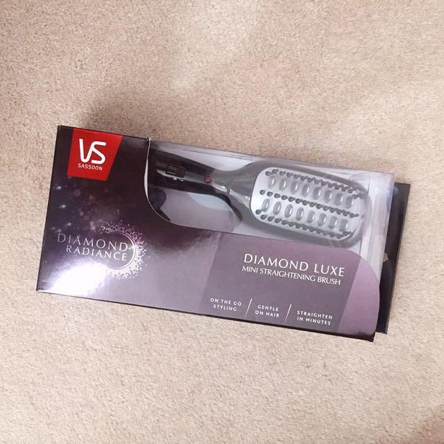 VS Sassoon Diamond Luxe Mini Straightening brush