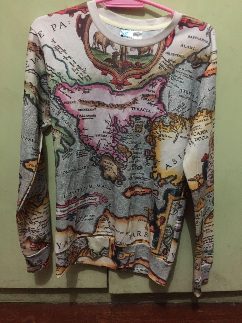 World Map Sweatshirt Women S Fashion Clothes Tops On Carousell