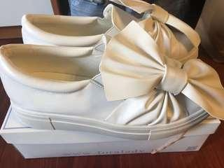 Big Ribbon Shoe