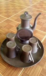 Satu set Teko teh dan Gelas Antik buatan China