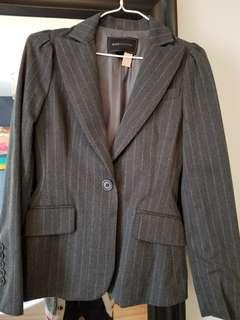 BCBG Maxazria blazer with polka dot lining. Size xxs. New condition. Its been drycleaned already and ready to go. Pick up beaches or yorkville.  Purchased new for $299.