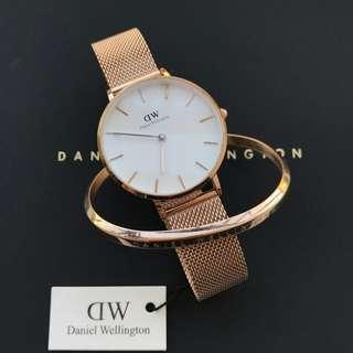 8723df6aa96d7 100% ORIGINAL Daniel Wellington Classic Petite Melrose + Cuff Gift Set