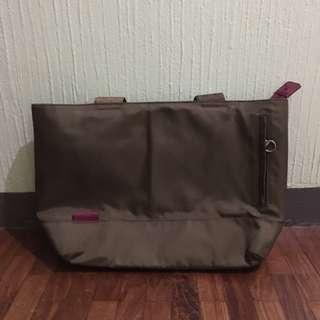 Hellolulu Brown Laptop 15 inch Tote Bag