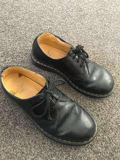 Black doc martens low