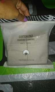 Miniso Cotton pad charcoal cleansing